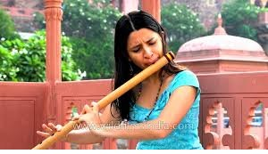 Sophia plays Indian bamboo flute (Bansuri in G)